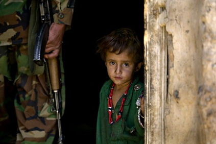 Afghanistan war child.