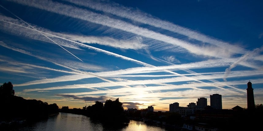 chemtrails-uk-geoengineering-uk-london-14-september-2012
